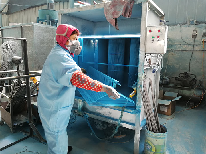 end production of the hanger powder spray coating machine