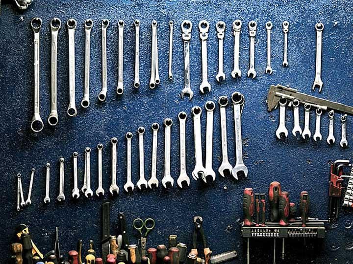 Maintenance-of-hanger-making-machine